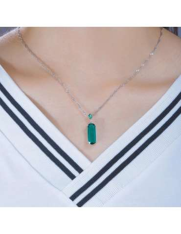 green-emerald-silver-pendant-gemstone-jewelry-birthstone-woman-model-neck-hihoney-hn034