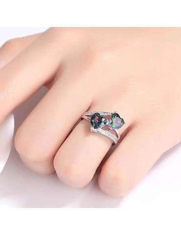 love-ring-mystic-topaz-silver-healing-ring-gemstone-jewelry-woman-hand-on-white-background-hihoney-hr050